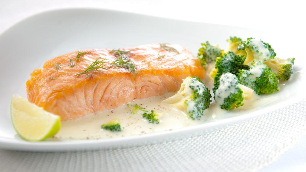 Vis, Hoofdgerecht - 4 personen 45 min - 1u Zalmsteak met Lea & Perrins en broccoligratin